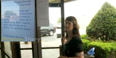 Хозяйка небольшого ресторана ищет бездомного, чтобы накормить