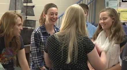Школьники пожертвовали 4-дневным отдыхом ради лечения любимой учительницы