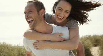 Шансы бросить курить или похудеть выше, если делать это в паре