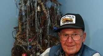 Живая рождественская ель стоит в американской семье уже 40 лет