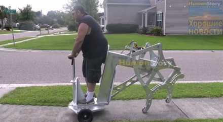 Американец собрал шагающий самокат, работающий от электродрели