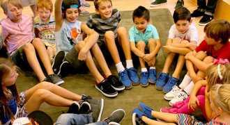 Учительница из Австралии потратила на учеников выигрыш в 20,000 долларов