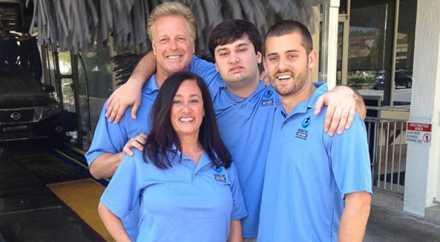 Семья открыла бизнес, чтобы трудоустроить больного аутизмом сына
