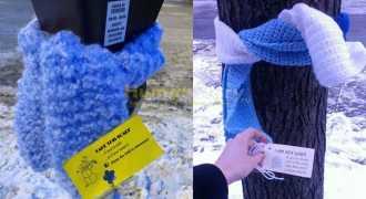 Благотворительный флешмоб с шарфами - попытка согреть мир
