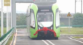 В Китае появился трамвай без рельсов и проводов