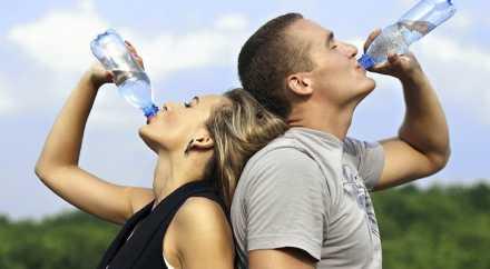 Обычная вода помогает сбросить лишний вес