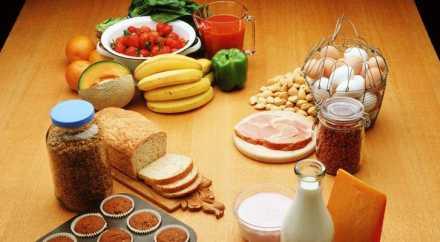 Супермаркетам Франции запретили выбрасывать просроченные продукты