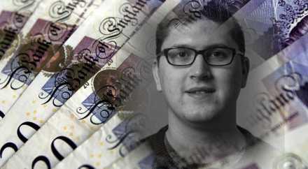 Британец вернул банку случайно переведённый ему миллион фунтов