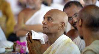 Крупный бизнесмен из Индии принял монашество