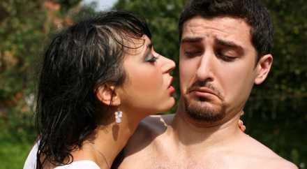 Человек передаёт своё настроение другому через запах пота